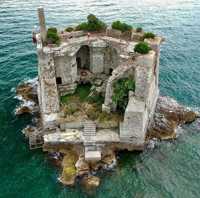 Scola Tower, Liguria, Italy