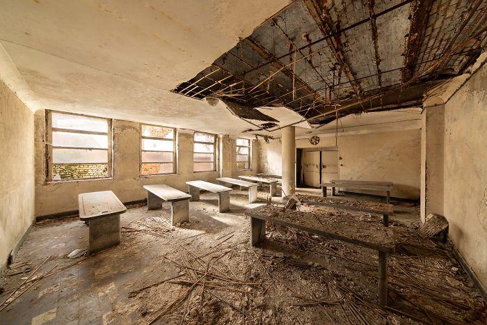 Morgue, Belgium