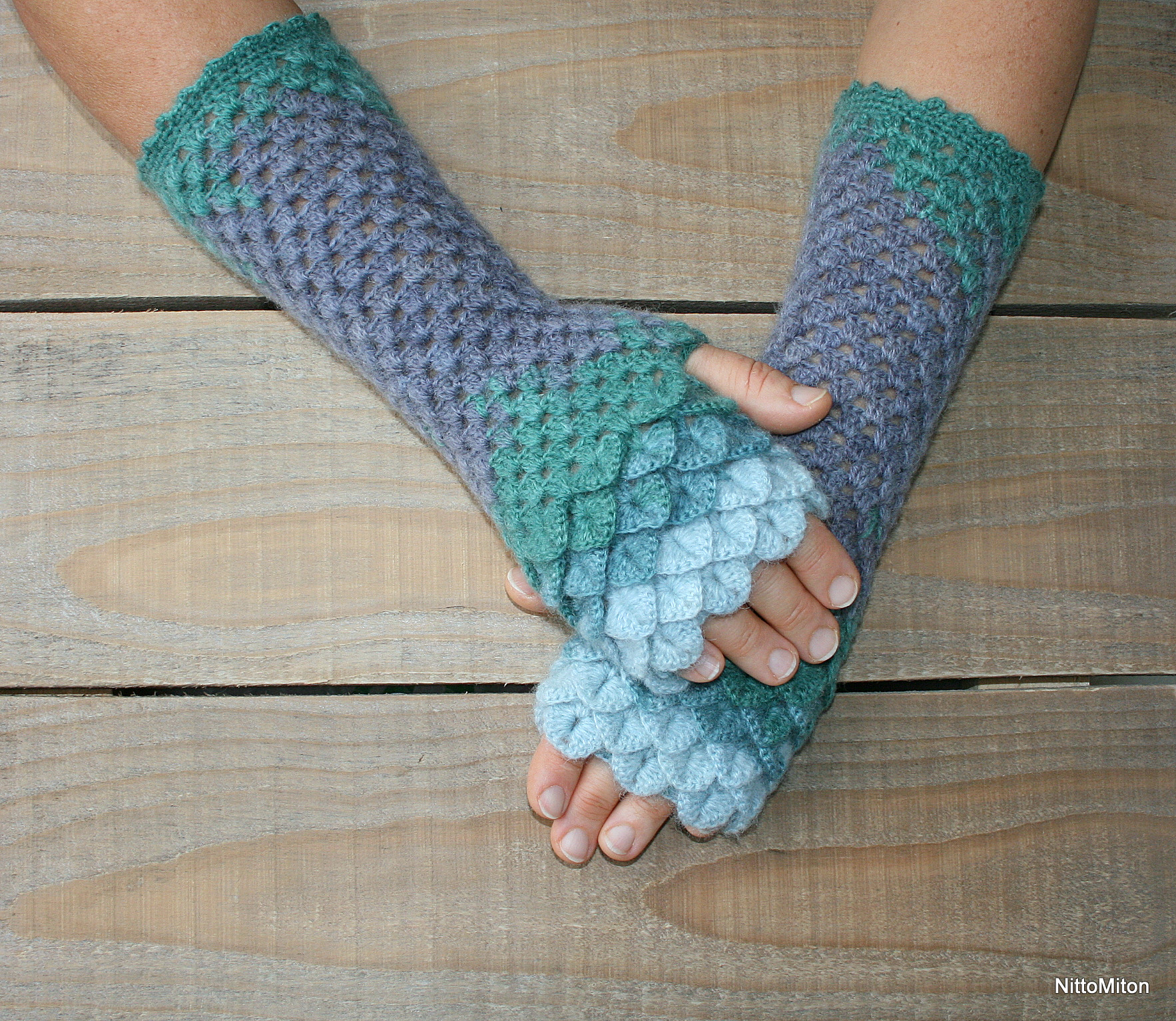 I Made This Dragon Scale Gloves