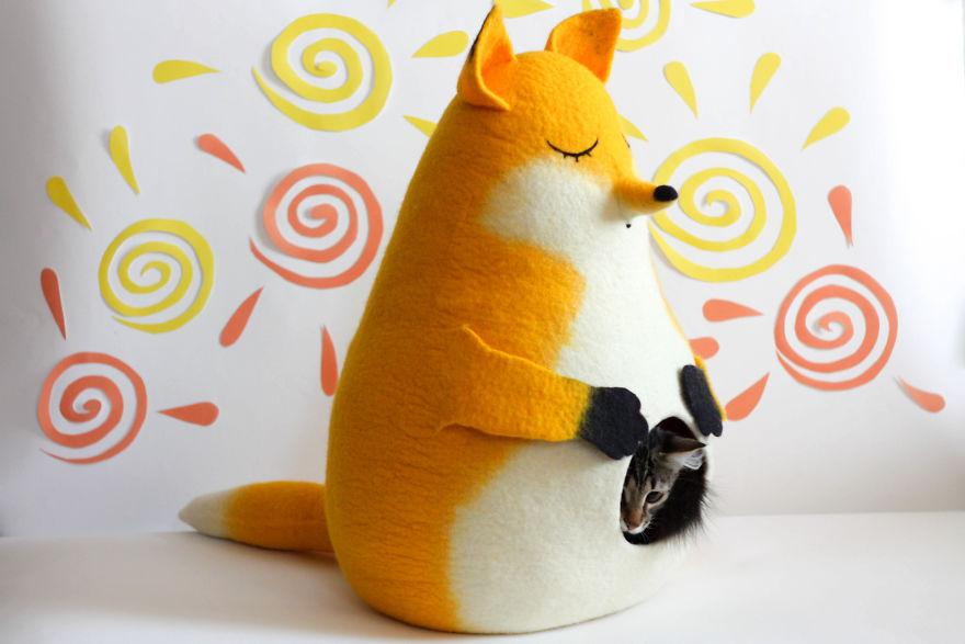 Fox Cat Bed