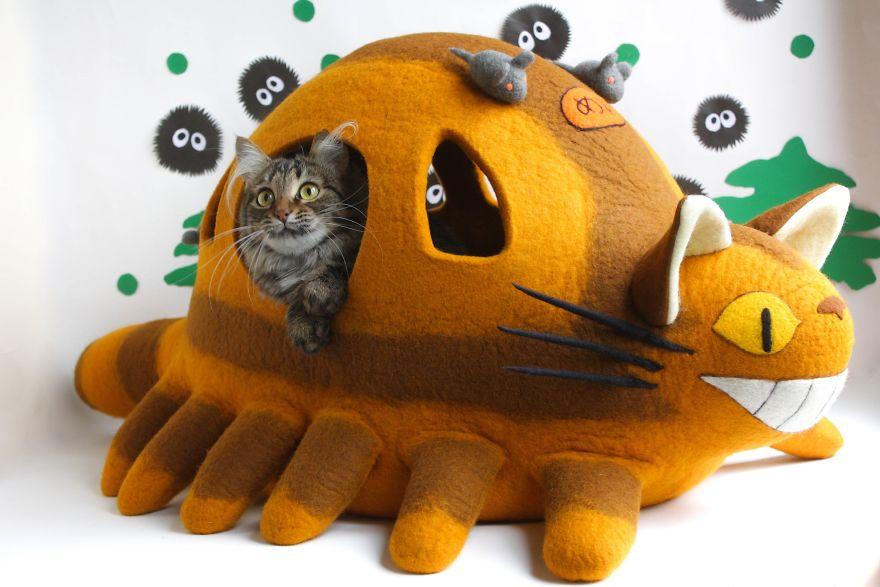 Catbus Cat Bed