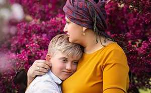 I'm A Cancer Survivor And My Experience Prompted Me To Photograph Other Mothers Going Through Cancer Treatments