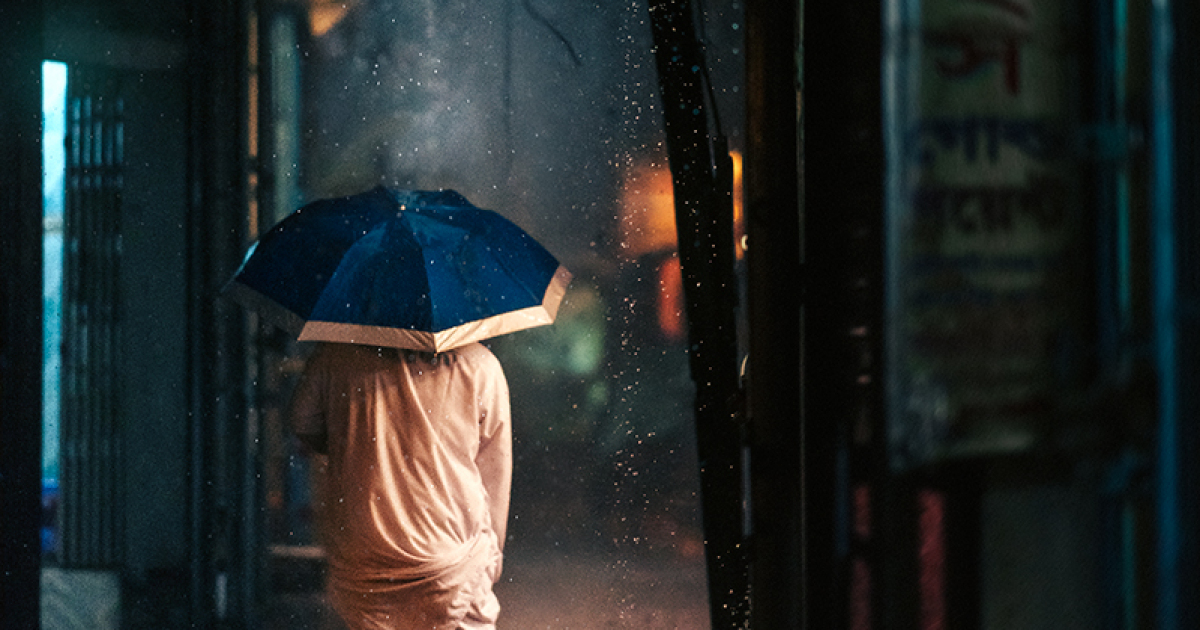 I Photographed The Streets Of Old Dhaka In The Rain