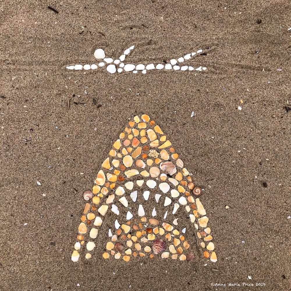 I Create Temporary Mosaic Beach Art