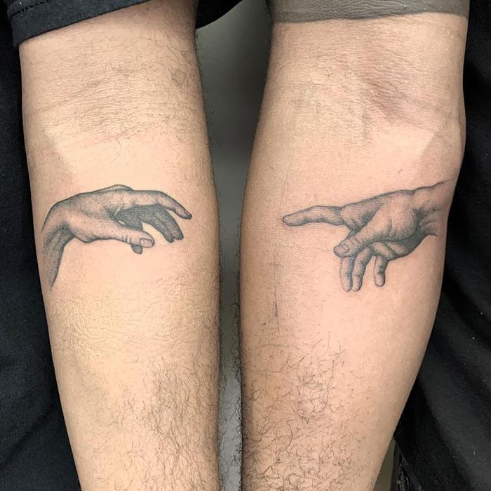 Tatuaje artístico a juego