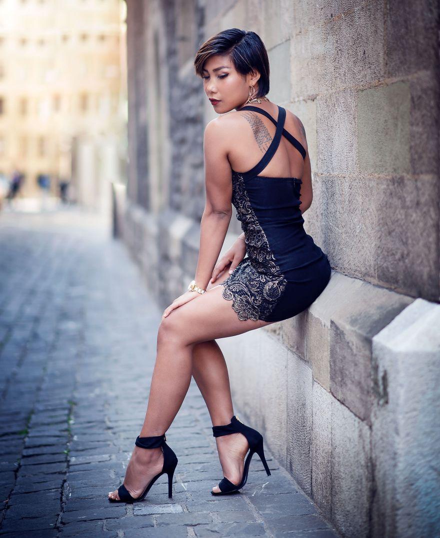 I Capture The Women In Streets Of Geneva