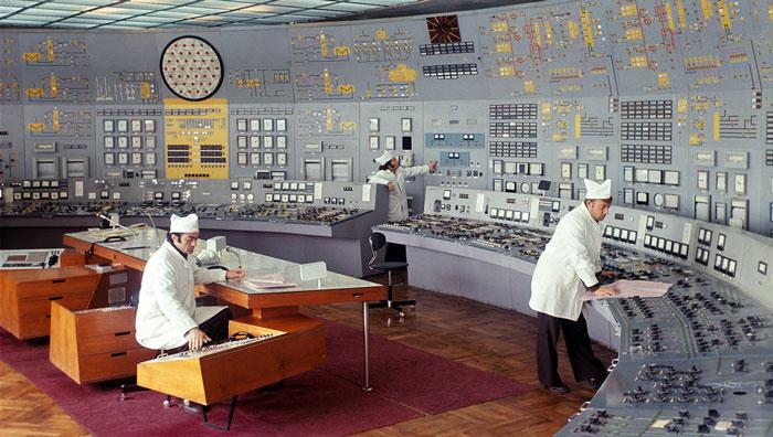 23 Oddly Satisfying Soviet-Era Control Rooms