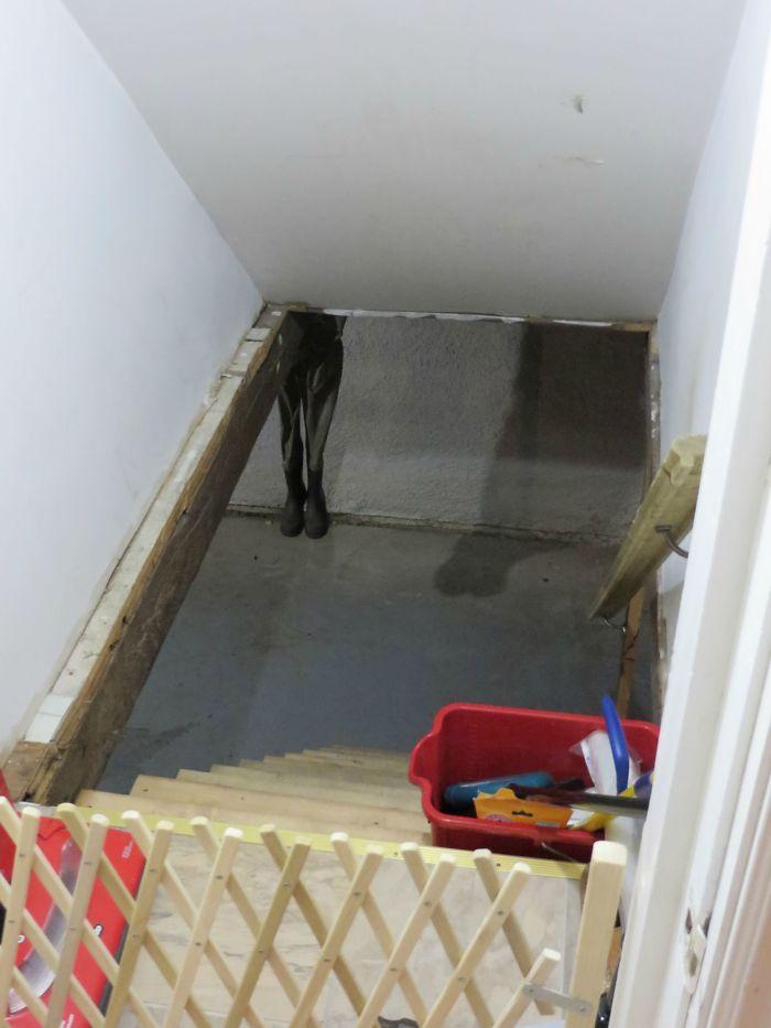 Dejé mis botas de pescar en el sótano y a mi esposa casi le da un ataque cuando bajó ahí