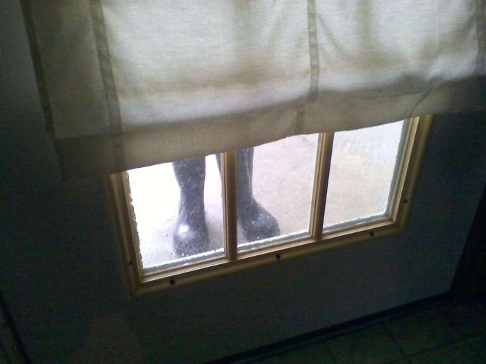 Dejé las botas en la puerta trasera, me olvidé y cuando fui a salir otra vez me di un susto