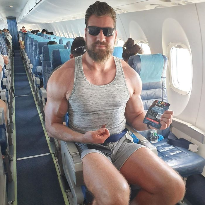 I Can Only Sit In A Plane Like This If There Is No Seat In Front Of Me, Normal Seats Are 100% Impossible Or I Will Block The Walking Path