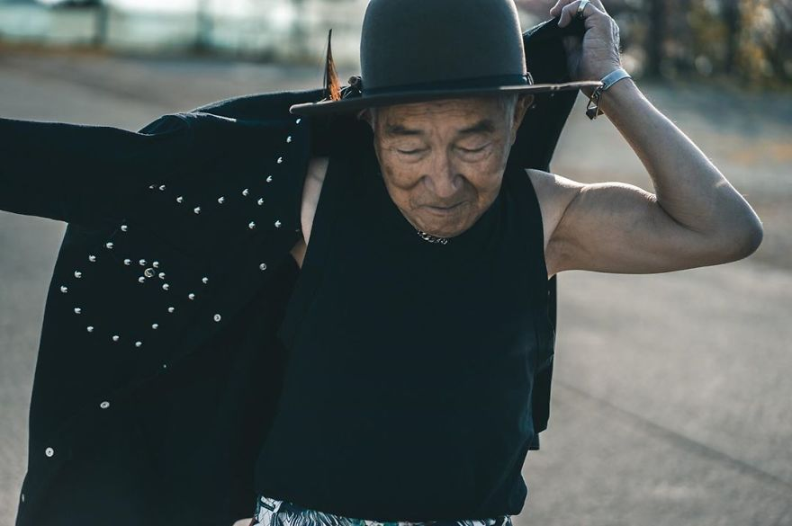 84-Year-Old Grandpa Teams Up With His Grandson To Create Fashionable Photoshoots That Stun 32k Followers On Instagram