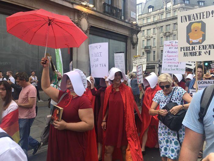 Donald-Trump-UK-Visits-Protest-Signs