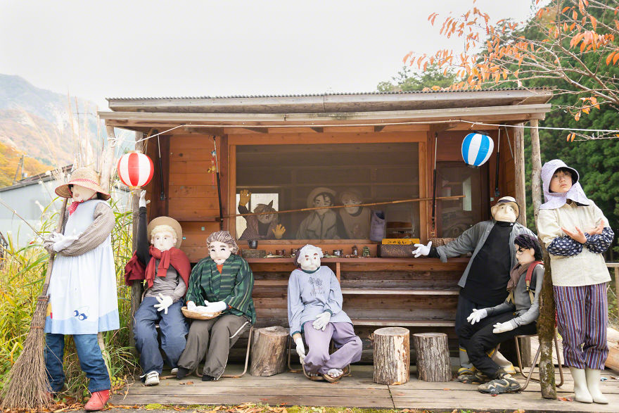 The-Beautiful-World-of-Me-and-Scarecrows