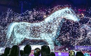 Este circo alemán usa hologramas en vez de animales para crear una experiencia mágica sin crueldad