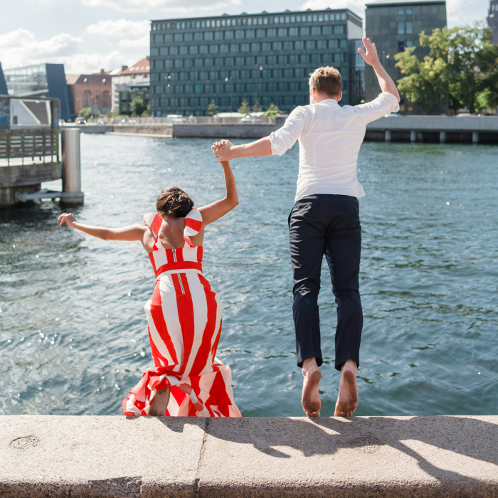 """After They Said """"I Do"""" They Jumped Into A Copenhagen Canal Together"""