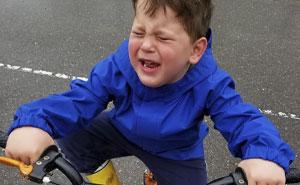 20 Padres comparten las razones absurdas por las que sus hijos lloran, y es imposible inventárselas (Nuevas imágenes)