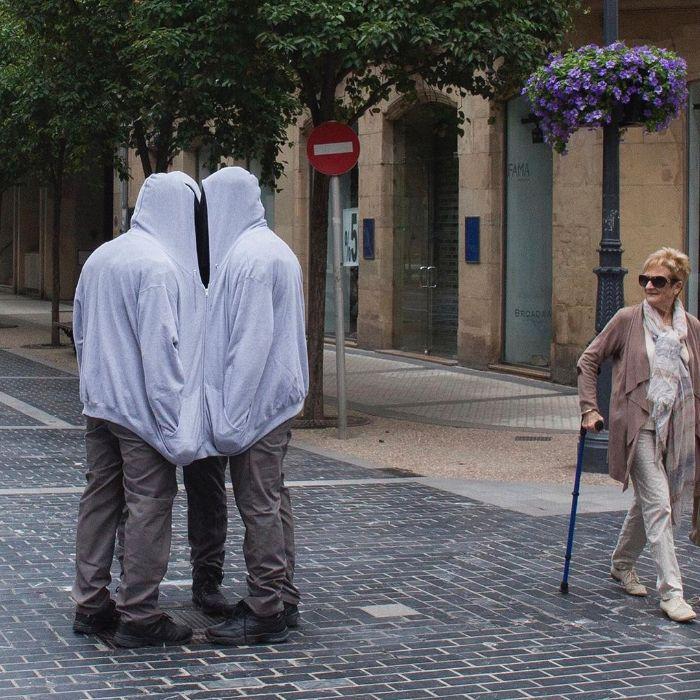 Mannequins-City-Street-Art-Installation-Trolling-Sculptor-Artist-Mark-Jenkins