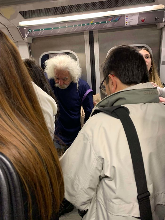 Einstein Achieves Time Travel (Subway, Buenos Aires)