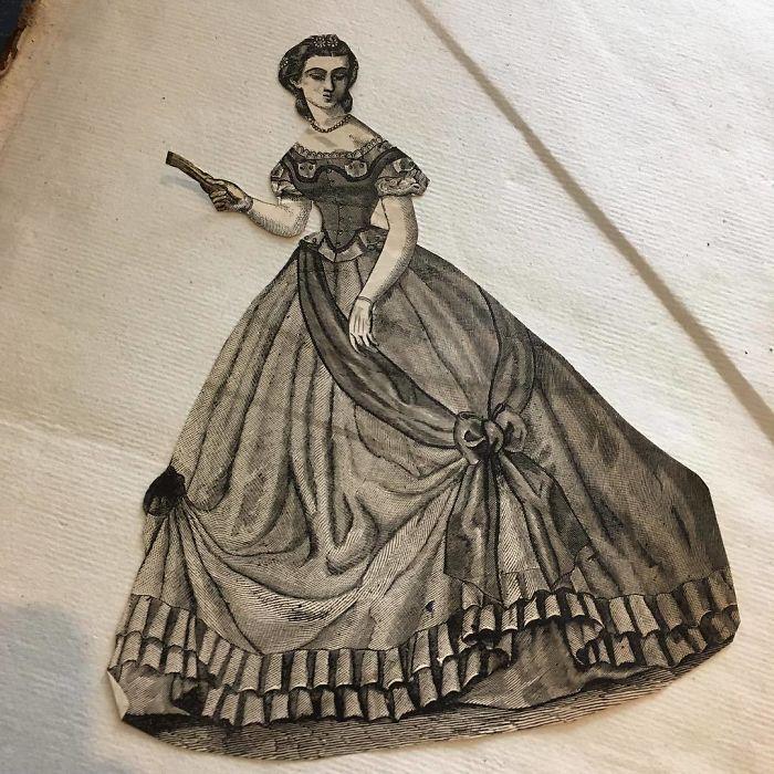 Dentro de un libro, recorte de una revista femenina del siglo XIX