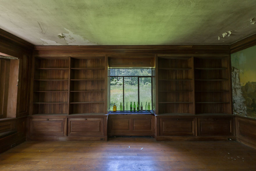 An Empty Library