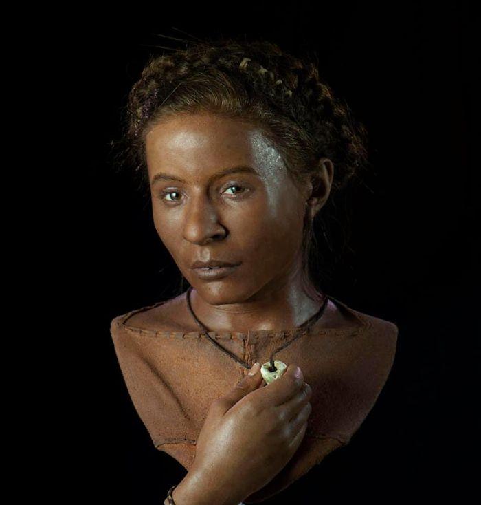 Mujer joven de la edad de Piedra, hace 5500 años