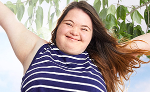 American Eagle Ad Campaign Features Models With Disabilities And Chronic Illnesses