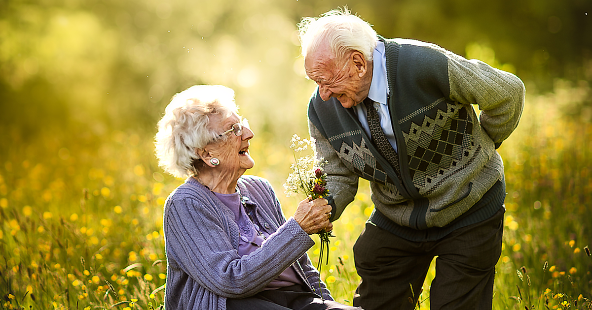 My 15 Pics Of Elderly Couples Show What True Love Looks Like