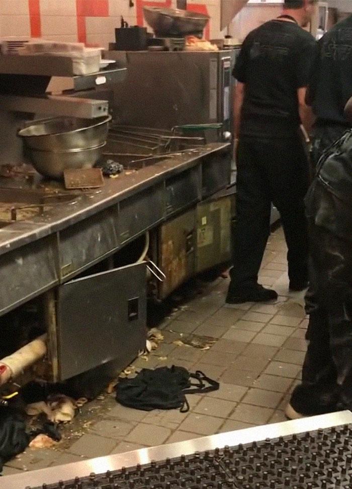 Un Cliente Graba En Secreto La Cocina De Hooters Y La Gente Esta