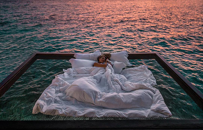 This Resort Is Offering You The Chance To Sleep Under The Stars And Over The Ocean For $400 A Night On A Net