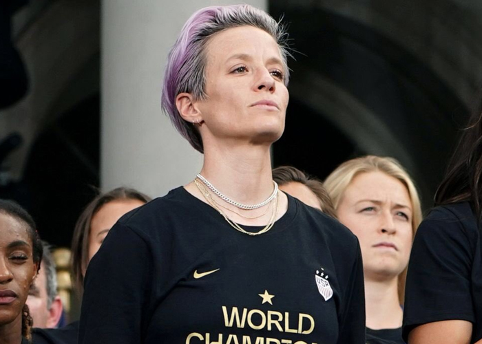 Guy Attacks Megan Rapinoe Online, People Defend Her With 21 Responses