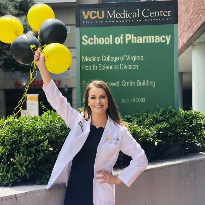 24-Year-Old Biochemist Wins Miss Virginia Title After Doing A Science Experiment As Her Talent