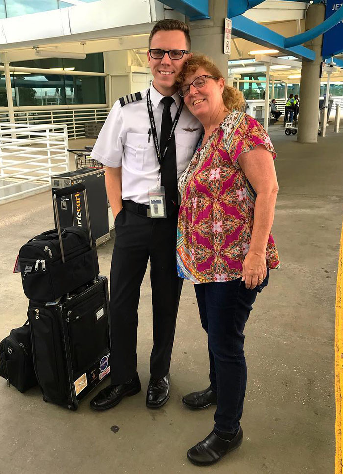 Mom Ends Up Being The Only Passenger On Her Son's Flight After A 7-Hour Delay, Gets A Private Flight