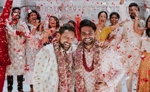 Gay Indian Couple Holds A Traditional Wedding Ceremony In A Hindu Temple, And Their Photos Go Viral