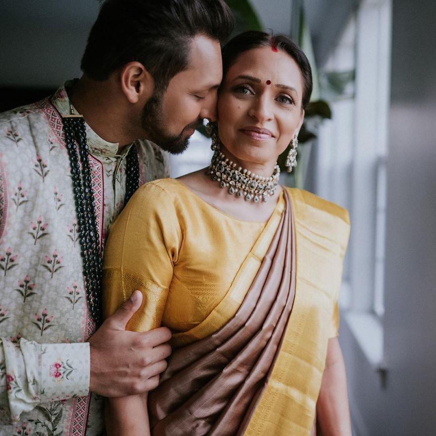 Senior gay dating Indien