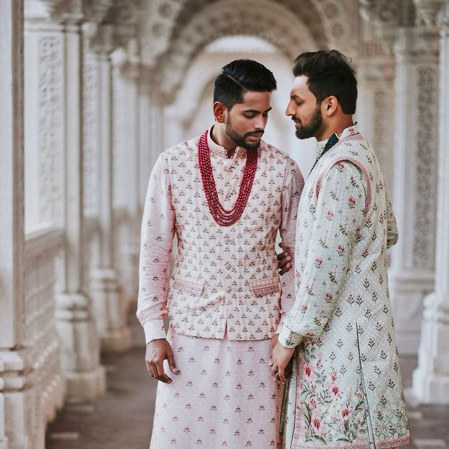 Gay Indian Couple Gets Married Traditionally In A Hindu -1968