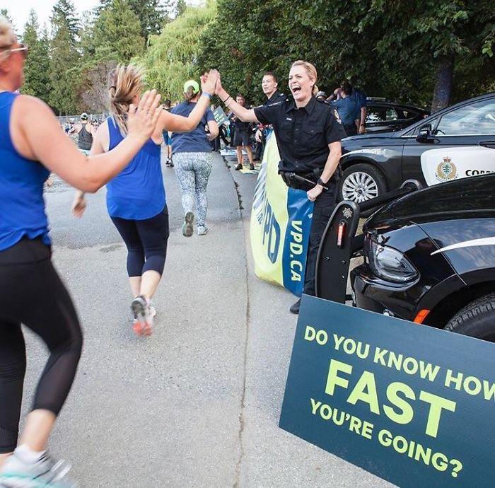 Policías en una maratón canadiense