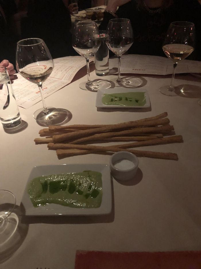 They Brought The Breadsticks Out On A Plate, Then Proceeded To Take The Plate Out From Under The Breadsticks