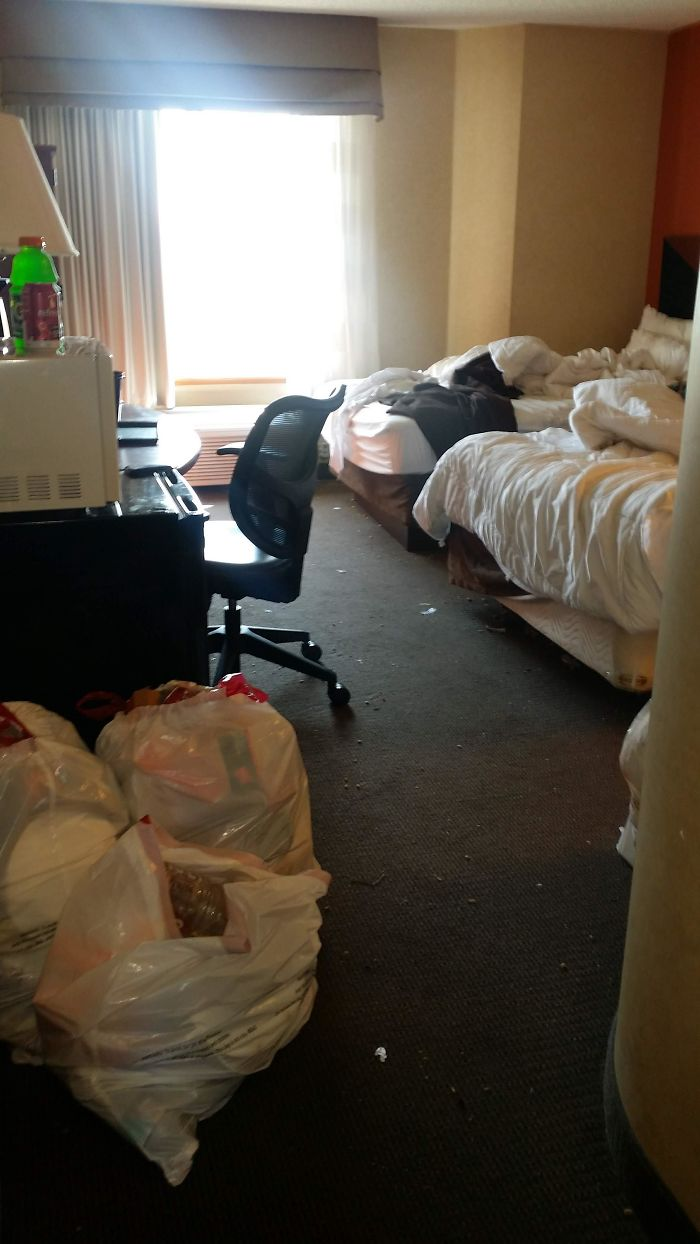 A Guest Left 5 Bags Of Trash Scattered Around Room For A 5 Day Stay. Filthy