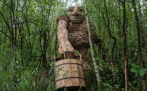 I Hide Giants That I Make From Wood In The Wilderness Of The Belgian Forest