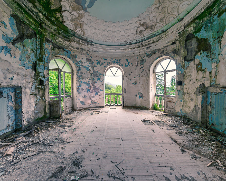 Colors Of Decay