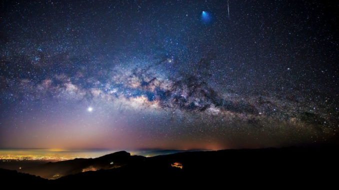 Our top 10 space sights you can see with just binoculars
