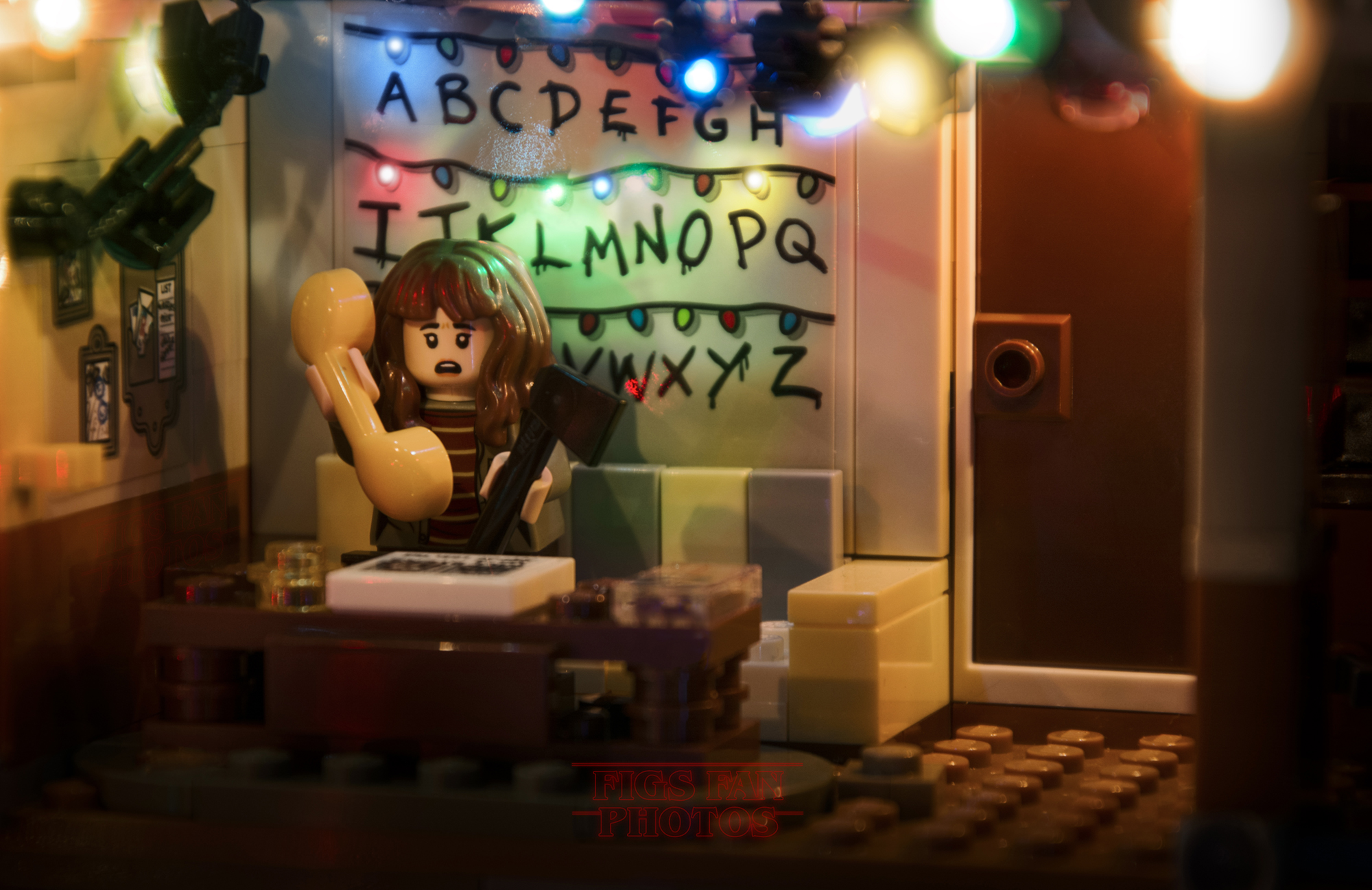 That's How The Stranger Things Would Look Like If It Had Been Directed By LEGO (16pics)