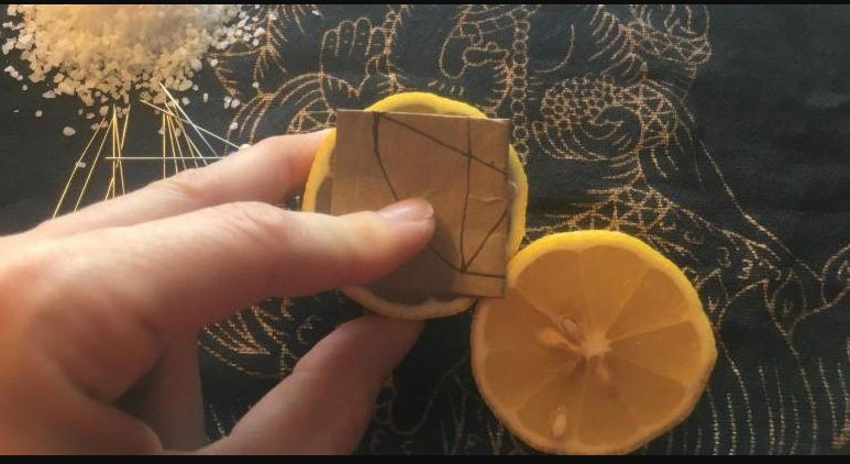 The Reason Why You Need To Put Some Lemons On Your Nightstand Every Night