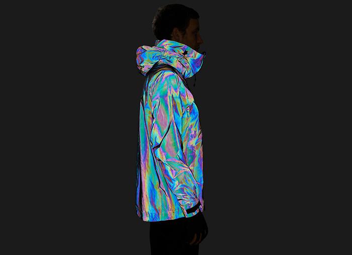 Британский стартап создал лыжную куртку, имитирующую кожу кальмара (фото 2)