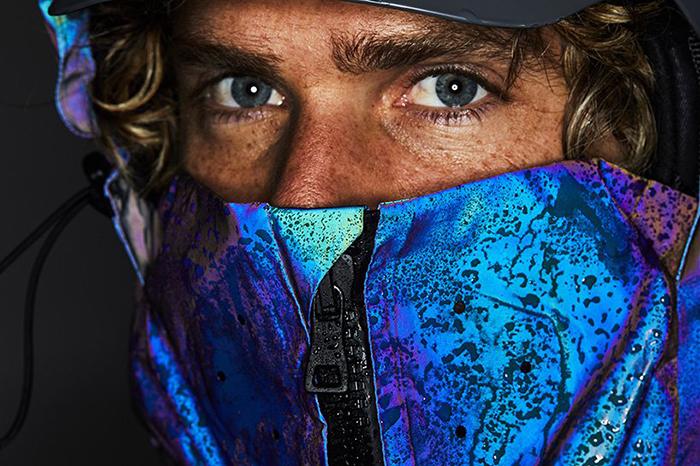 Британский стартап создал лыжную куртку, имитирующую кожу кальмара (фото 5)
