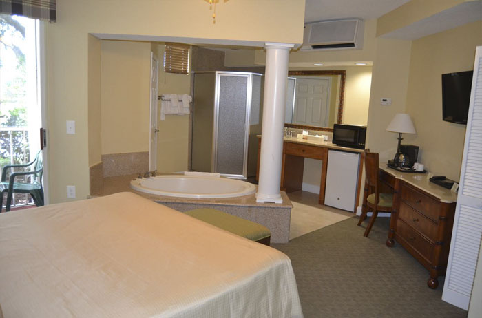 Booked A Hotel In Orlando Through Hotwire And They Gave Us This Room. No Partition Between The Shower, Bathtub, And Bed. I'm Traveling With My Teenage Daughter...