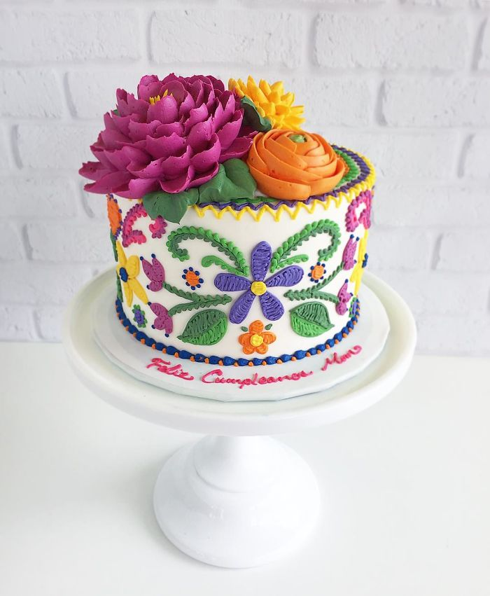 These Cakes By Leslie Vigil Look Like They've Been Decorated With Needle And Thread