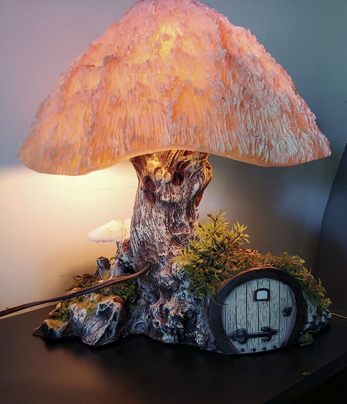 This Large, Weird Mushroom House Lamp From The '70s Is One Of My Favorite Second Hand Finds.