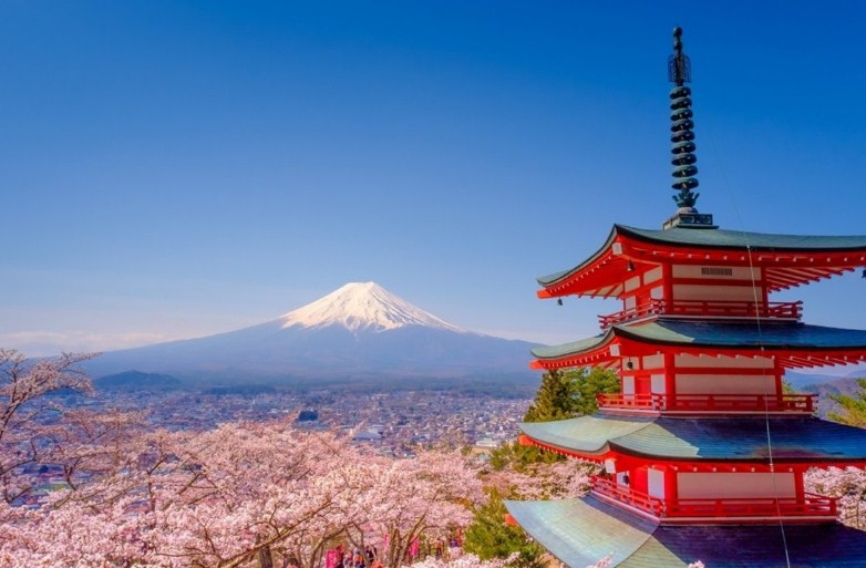 15 Unforgettable Life-Changing Lessons I Learned in Japan