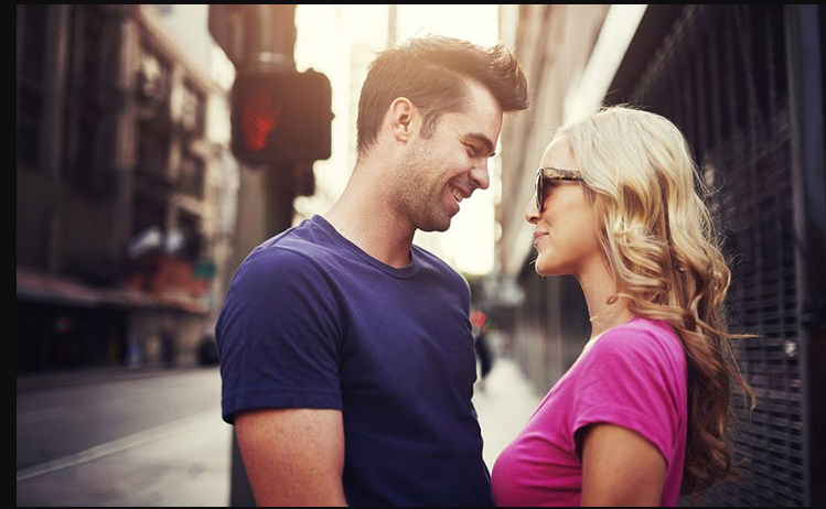 Body Language: 12 Sure Signs He Wants You Bad
